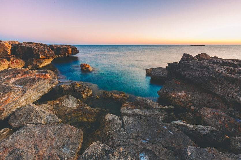 wybrzeże morza śródziemnomorskiego