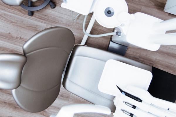 sprzęt w gabinecie stomatologicznym